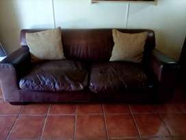 2x leather couches