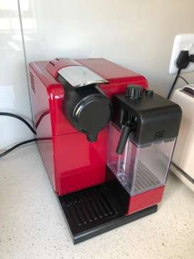 Nespressp Lattissima coffee machine