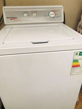 queen top loader washing machine8,2kg. Its industrial washing machine