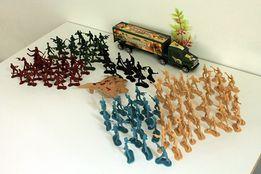 Zestaw wojskowy, Figurki żołnierze 9107A