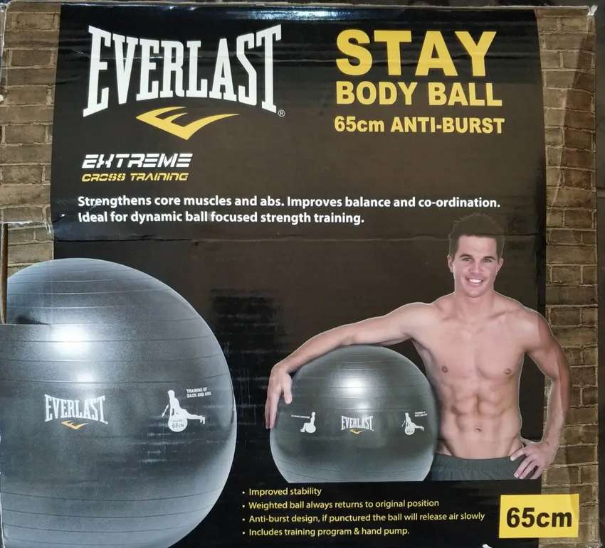 Everlast Fitness Ball 0