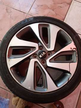 Second hand continental tire 205/45 R 17 ,with original mag of Kia Rio