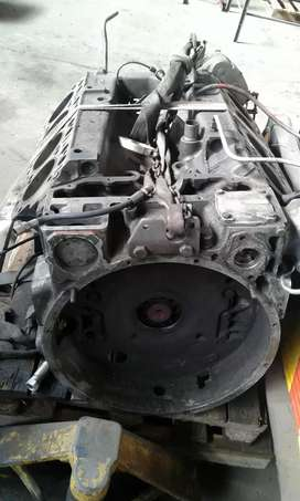 Ade 422 . Complete stripped engine