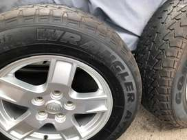 Jeep Grand Cherokee Mags with tyres