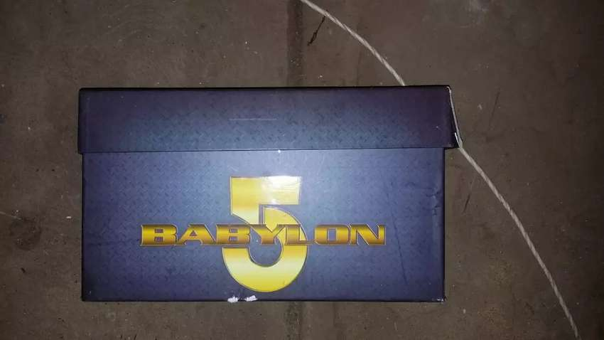 Babylon 5 the ultimate collection {dvd)