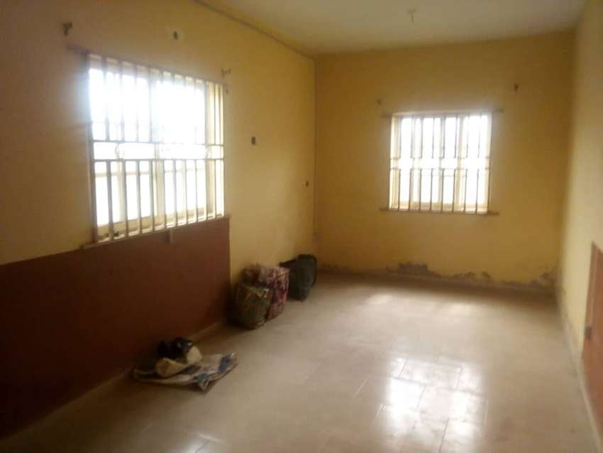 Decent 2 bed room flat to let at governor road,ikotun. 0