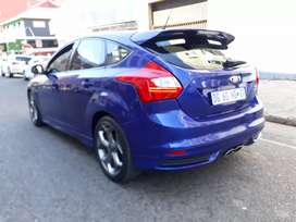 Ford Focus ST 2.0 R 170,000 negotiable