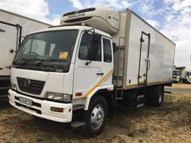 NISSAN UD80 WITH THERMOKING T600R FRIDGE UNIT