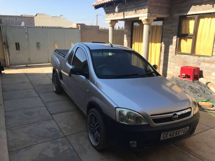 2008 CORSA UTILITY, DRIVES WELL, 17inch rims 0