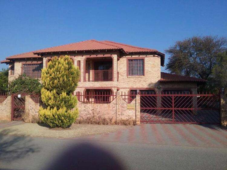 Spacious double storey house in Unit 6 Mmabatho 0