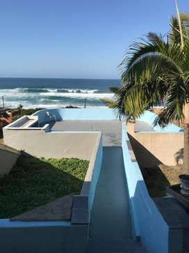 3 Bds - 2 Ba - 11793 m2 House for sale Tinley Manor .North coast. KZN.