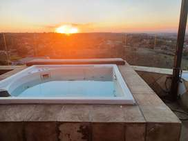 Honeymoon suite with Jacuzzi and braai facilities