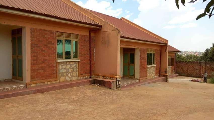 Smack dab 2bedroom self contained at 350k in Seeta 0