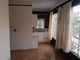 Bachelor pad available in Phokeng