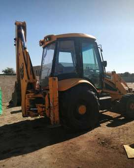 TLB for hire R4500 per day wet rate