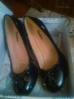 Новые туфли лакированные женские темно-синие на каблуке Centro 37р