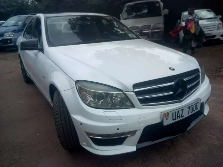 Mercedes Benz UAZ C200 in perfect condition available forsale 0