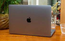 """Immaculate 13"""" Macbook Pro 2017/ 256GB SSD for Sale WITH Warranty"""