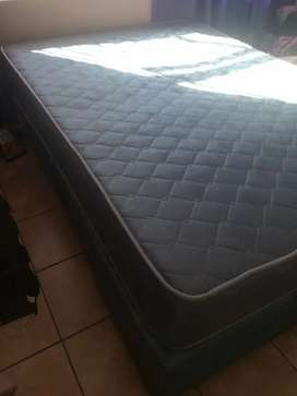 Selling a dubble bed