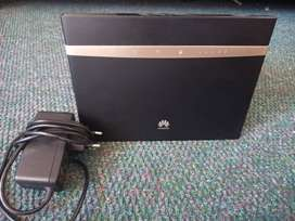 Huawei B525 4G LTE wifi Router for sale in Sasolburg. Urgent sale.