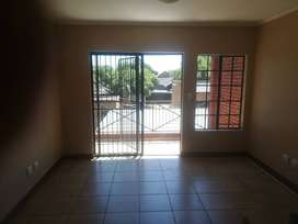 2 bedroom flat in Meyerton Golf Park