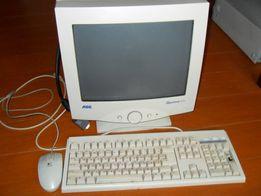 Монітор до комп'ютера