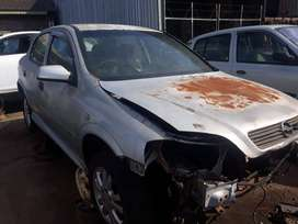 0pel Astra 2.0L 2001 Model - Stripping for Spares