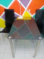 Продам Стекляный стол.
