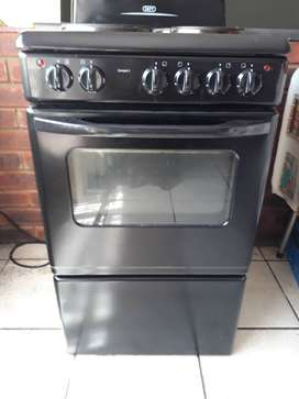 Defy 4 plate compact stove for sale