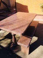 Продам стол с красного гранита