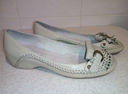 Женские кожаные туфли 38 размер