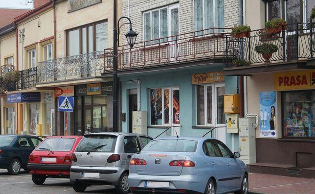 Kamienica 1/2 w ścisłym centrum miasta Stopnica - image 1