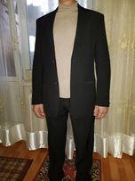 Продам классический костюм