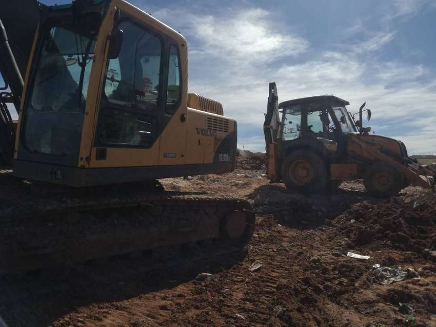 Certified excavator and TLB OPERATOR