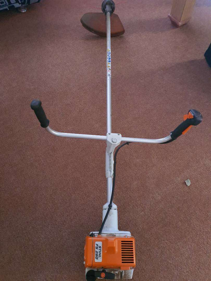 Sthil Brush cutter fs280 in excellent condition used twice only as new 0