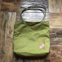 Небольшая сумка сумочка из мешковины салатовый зелёная с вышивкой
