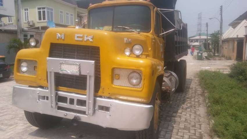 Neatly used R Model Mark tipper for sell 0