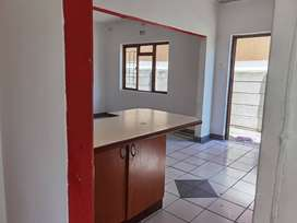 1 bedroom separate entrance in Lotus River 5000 Rand