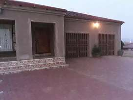 3 bed house 2 bath and double garage at Matsulu