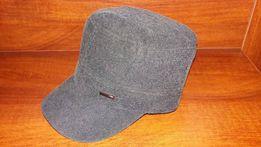 56 Elegancka czapka jesienno-zimowa.