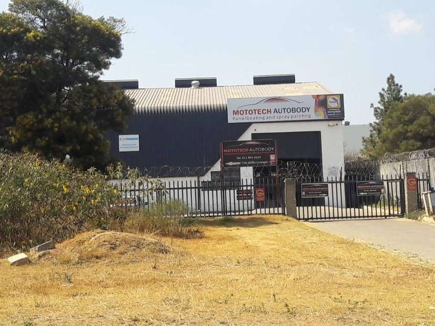 1000 SQM WAREHOUSE FOR SALE 0