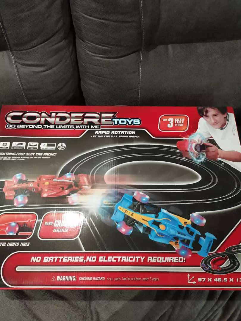 Condere hand crank racetrack with cars