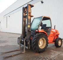 Terenowy Wózek widłowy Manitou M26 - 4 tony 4x4 przesów boczny ŁADNY