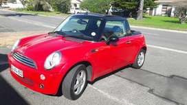 Mini Coupe, 2007, Very low KM's & in great condition.