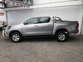 HILUX 2.8 GD-6 MANUAL 2017 - CONTACT ZIYAAD