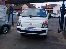 2015 Hyundai H-100 2.6D with a service book