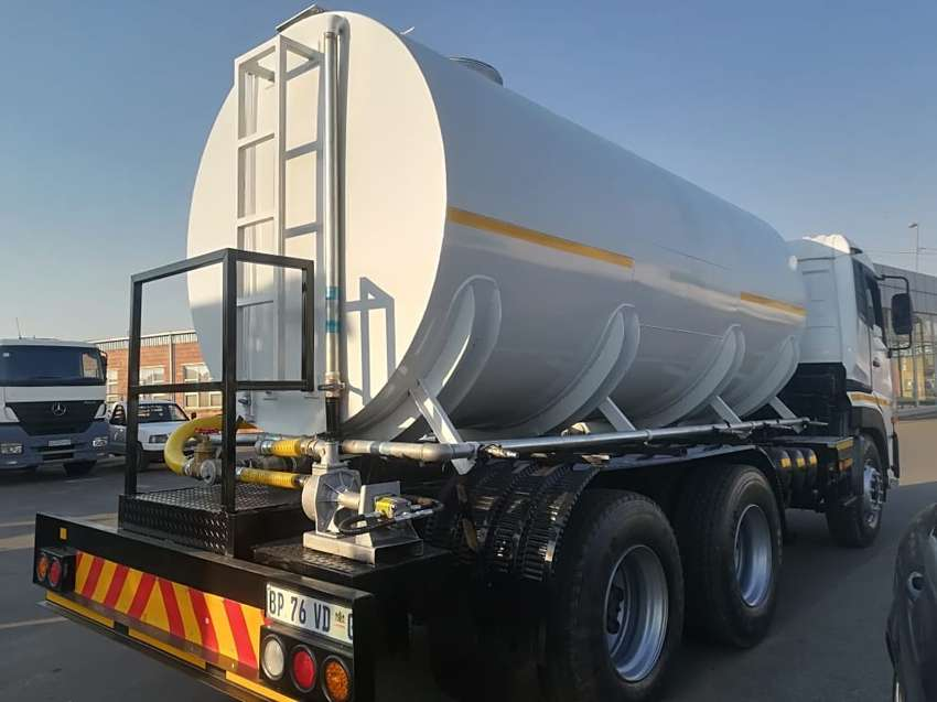 UD 460 Water Tanker For Sale 0