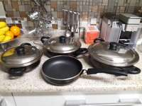 Image of Non-stick olive pans