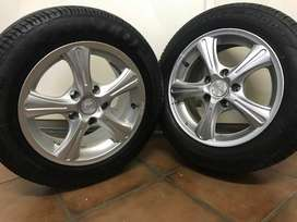 NEW toyota Carolla 15 inch mags for sale!!