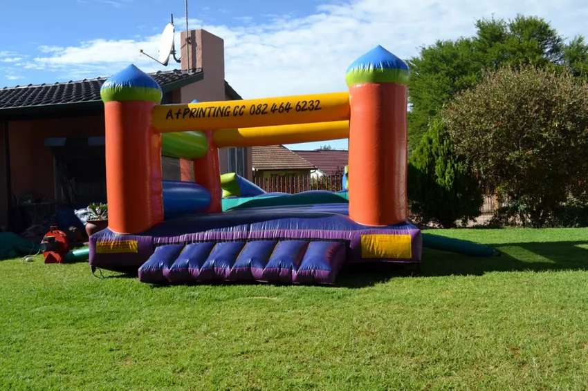 3mx3m jumping castle for hire 0